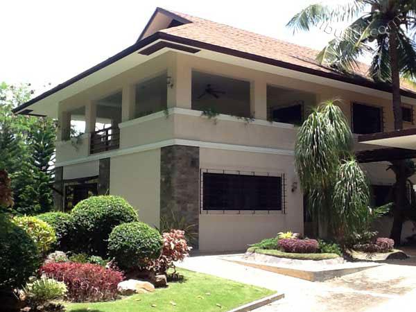 Real Estate Iloilo City Beautiful Executive House And Lot