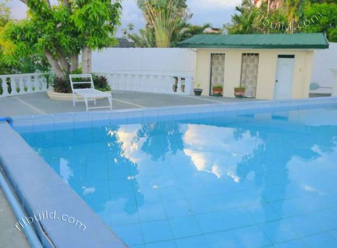 Binangonan Rizal Real Estate Big House With Swimming Pool On A Spaceous Lot For Sale